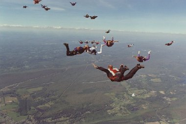 Darlene and Don Kellner's freefall wedding picture